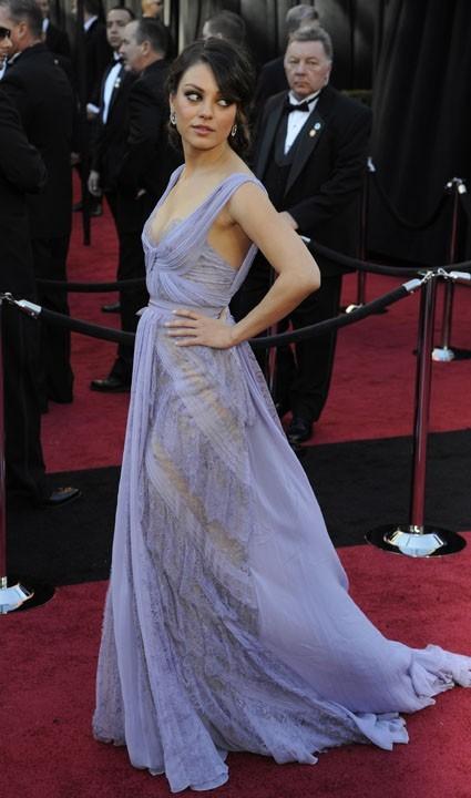 Mila Kunis ne restera pas seule longtemps !