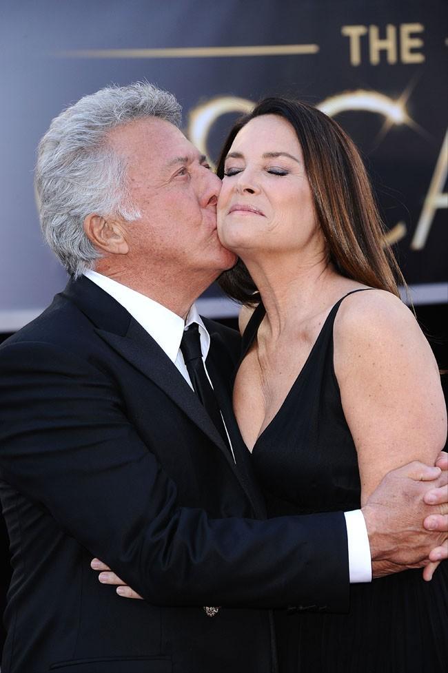 Dustin Hoffman et sa femme Lisa sur le tapis rouge des Oscars à Los Angeles le 24 février 2013