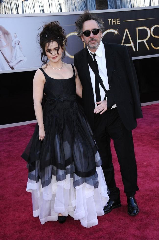 Helena Bonham-Carter et Tim Burton sur le tapis rouge des Oscars à Los Angeles le 24 février 2013