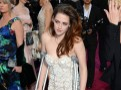 Oscars 2013 : Kristen Stewart : béquilles et robe couture... Une arrivée des plus remarquées !