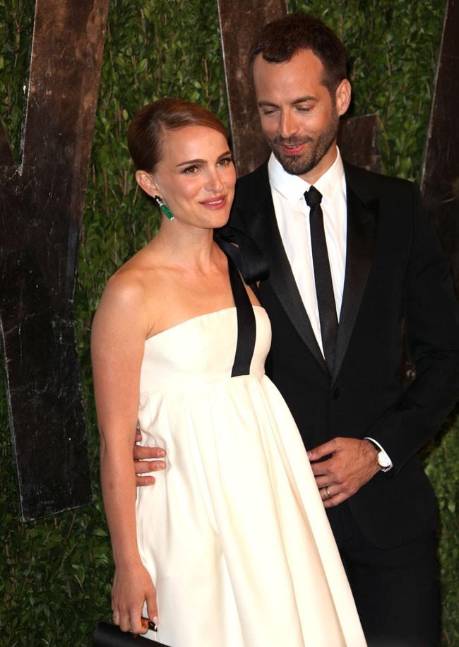 Natalie Portman et Benjamin Millepied à la Vanity Fair Oscar Party, à West Hollywood, le 24 février 2013