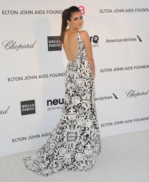 Nina Dobrev à la soirée caritative d'Elton John au Pacific Design Center de West Hollywood le 24 février 2013