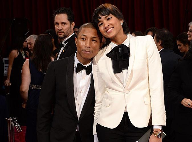 """Oscars 2014 : Pharrell Williams : sans son famaux chapeau sur le red carpet, il l'a retrouvé sur scène pour """"Happy"""" !"""