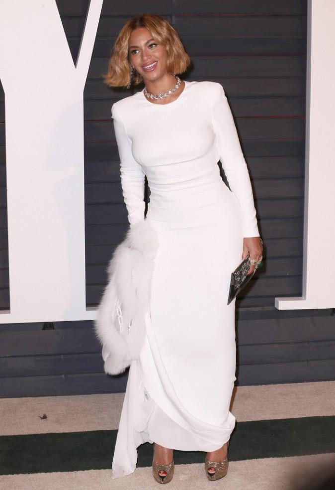 Photos : Oscars 2015 : Beyoncé : retour aux cheveux courts et glamour, première sortie depuis les photos compromettantes !