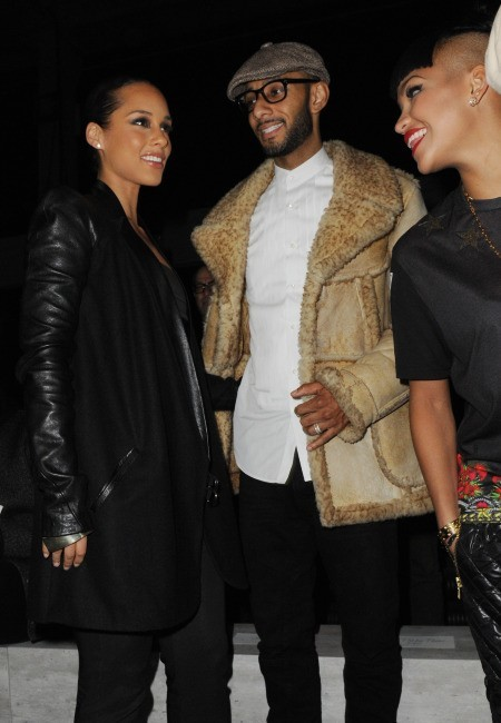 Alicia Keys et Swizz Beatz lors du défilé Kanye West à Paris, le 6 mars 2012.