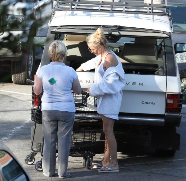 Pamela Anderson et sa mère le 11 octobre 2012 à Malibu