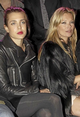 Fashion Week de Paris : Charlotte Casiraghi et Kate Moss au défilé Etam