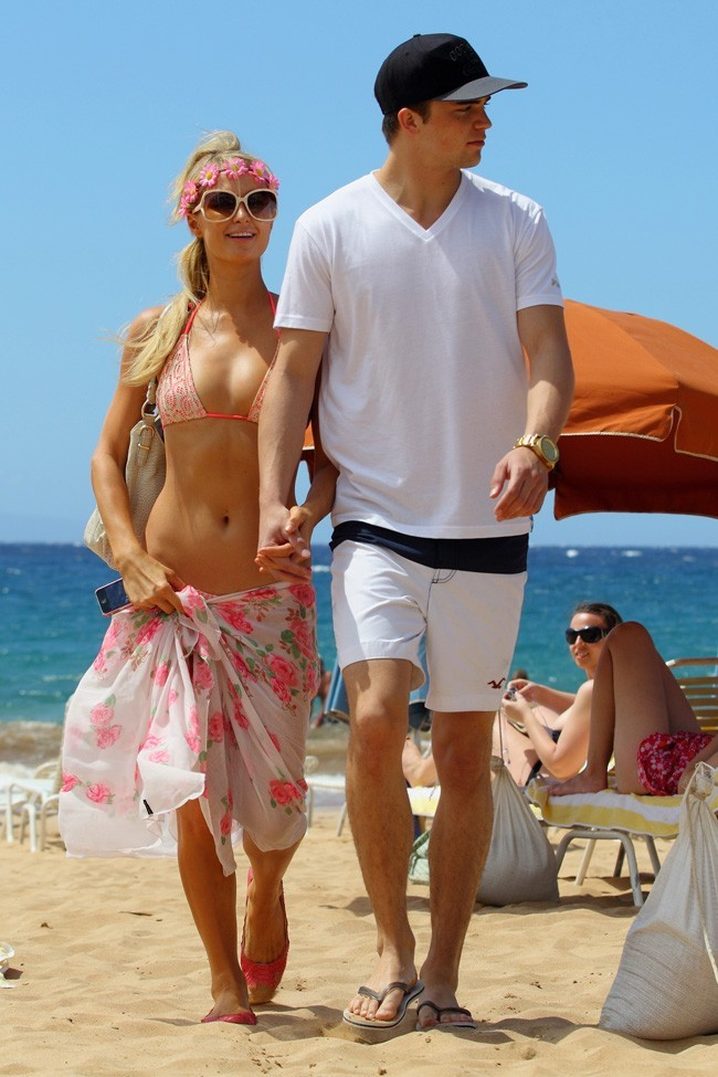Paris Hilton et River Viiperi le 22 septembre 2012à Hawaii