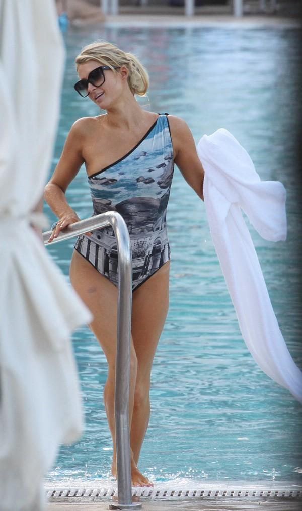 Paris Hilton et River Viiperi à Miami le 8 décembre 2012