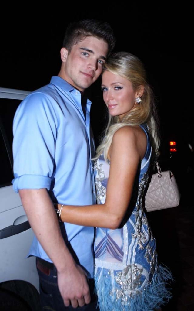 Paris Hilton et River Viiperi à Miami le 9 décembre 2012