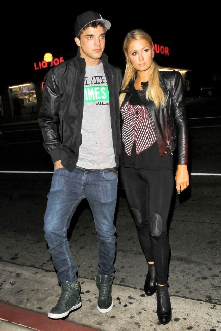 Paris Hilton et River Viiperi le 8 novembre 2012 à Los Angeles