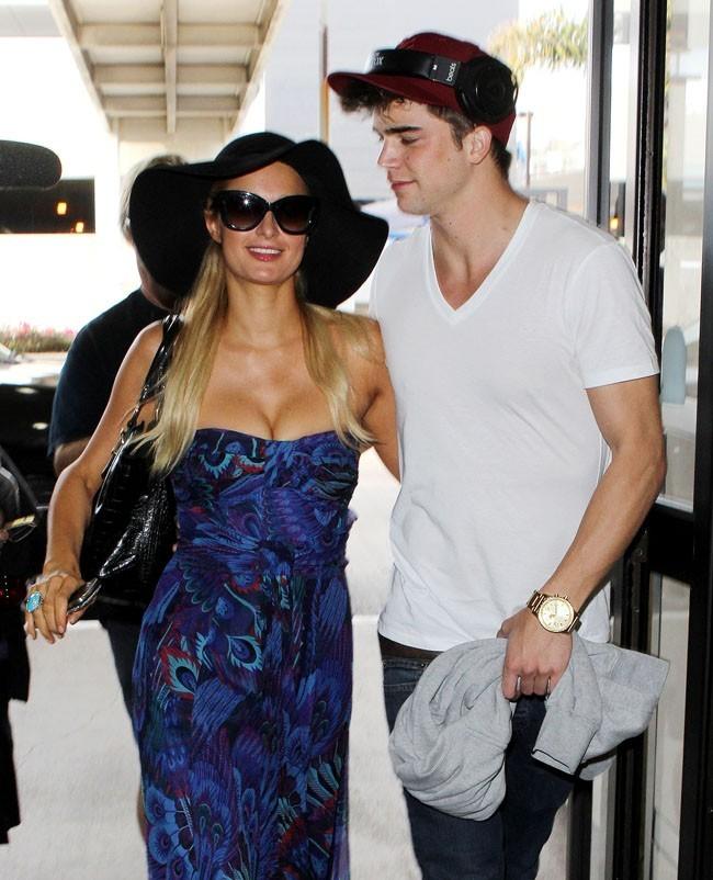 Paris Hilton et son nouveau boyfriend, River Viiperi, le 21 septembre 2012 à Los Angeles