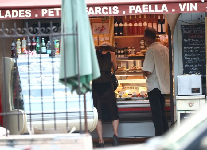 Paris Hilton, St Tropez, 18 aout 2012.