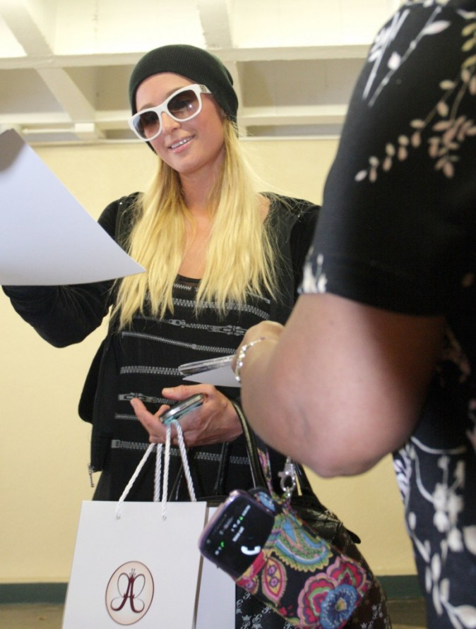 Paris Hilton, Beverly Hills, 21 aout 2012