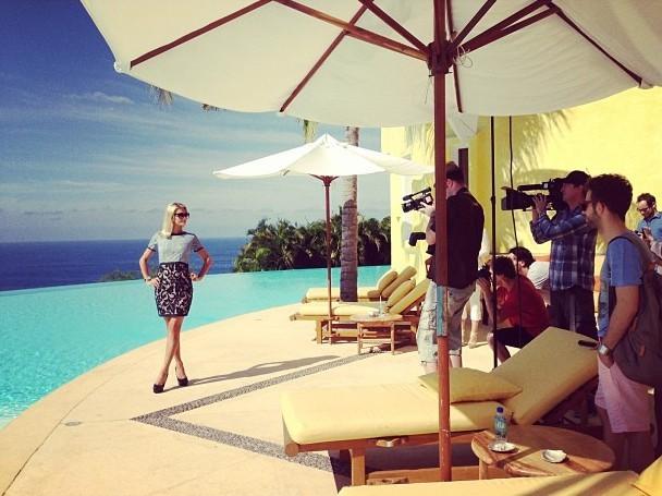 Paris Hilton en plein photoshoot au Mexique !