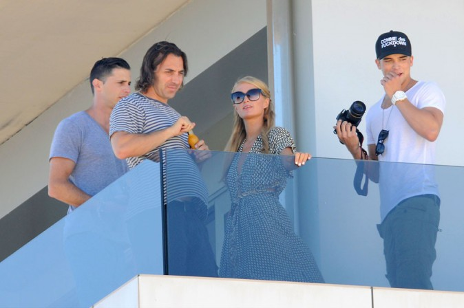 Paris Hilton avec son boyfriend River Viiperi à Ibiza le 31 juillet 2013