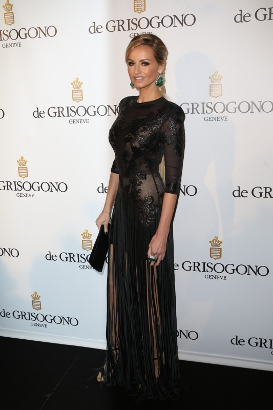 Adriana Karembeu et sa robe spectaculaire à la soirée De Grisogno