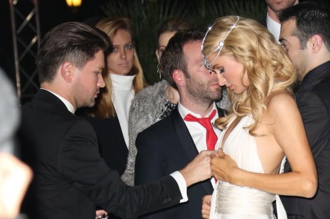 Paris Hilton s'éclate à Cannes