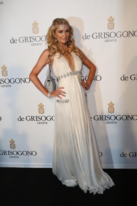 Paris Hilton, sirène bling-bling à Cannes