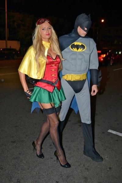 Paris Hilton et River Viiperi, Los Angeles, 31 octobre 2012.