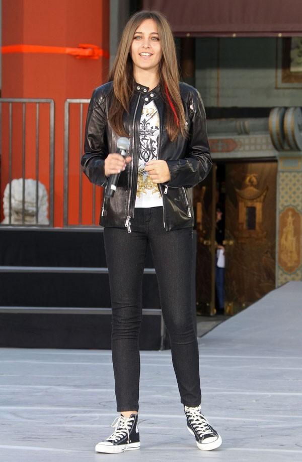 Vous ne trouvez pas qu'elle ressemble à Avril Lavigne ?!