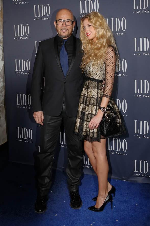 Pascal Obispo et sa compagne Julie Hantson au Lido le 8 avril 2015