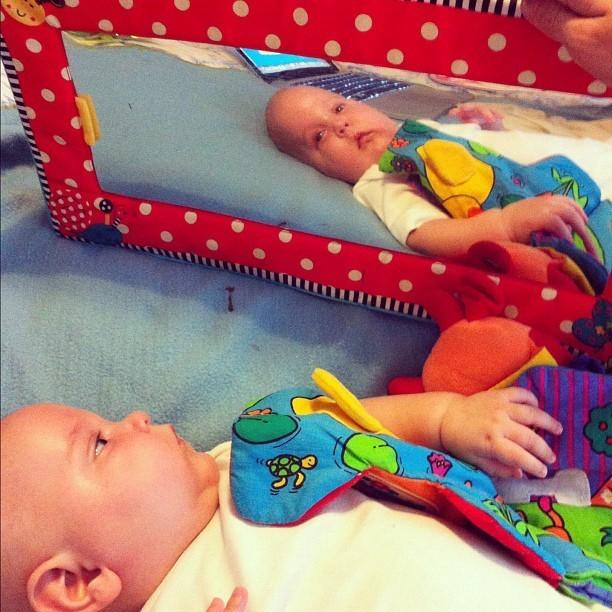 Astala se découvre dans le miroir