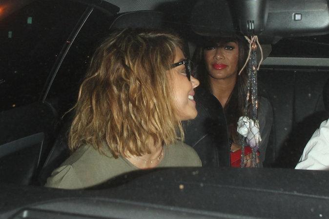 Nicole Scherzinger et Sarah Hyland à Los Angeles le 16 août 2016