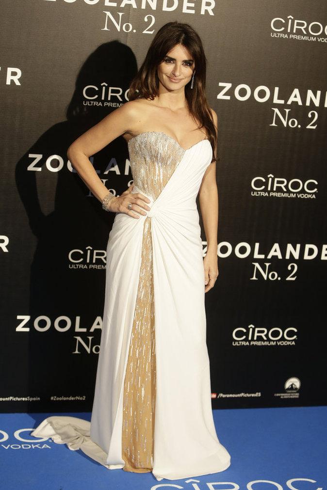 Penelope Cruz, resplendissante à la première de Zollander 2 à Madrid