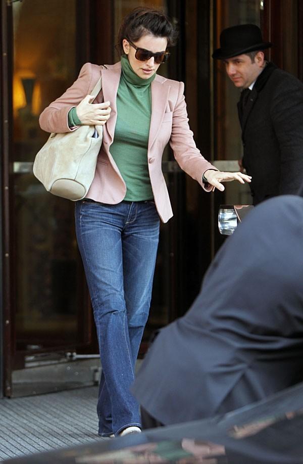 Penélope Cruz à la sortie de son hôtel de Londres !