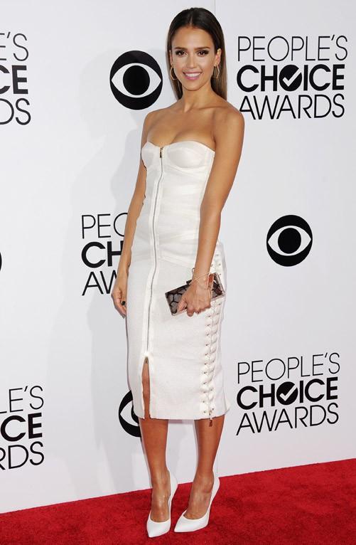 Jessica Alba à la cérémonie des People's Choice Awards organisée à Los Angeles le 8 janvier 2014
