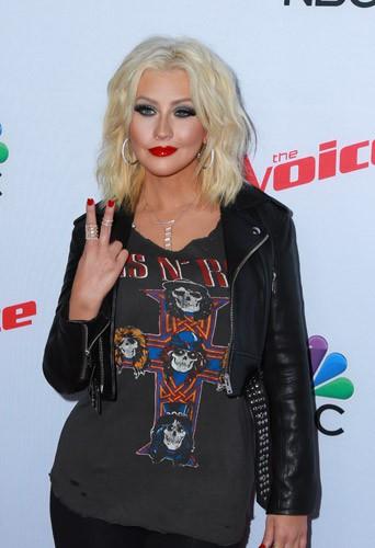 Photos : Pharrell Williams, Christina Aguilera et Blake Shelton snobés par Adam Levine pour The Voice US !