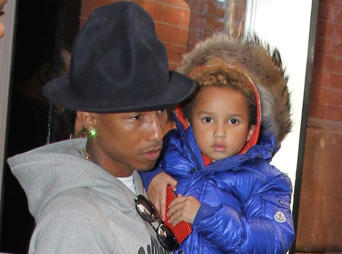 """Photos : Pharrell Williams : en mode daddy cool pour assister à l'avant-première de """"The Amazing Spider-Man : le destin d'un Héros"""" !"""