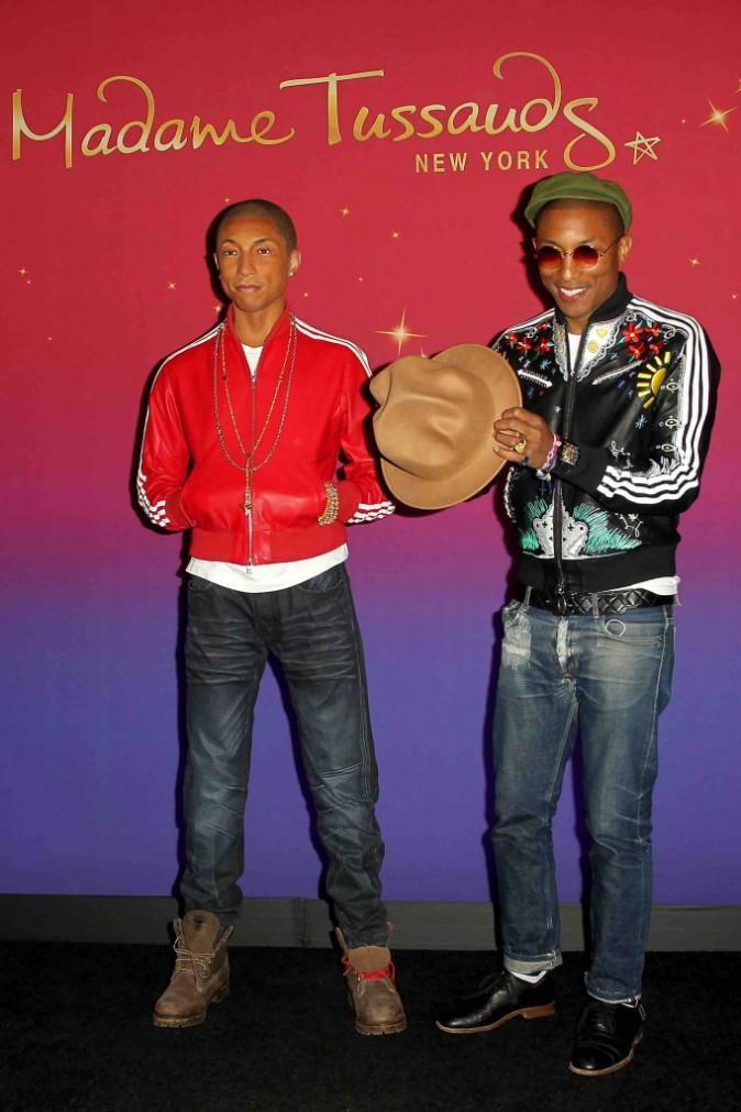 Pharrell Williams : ultra stylé aux côtés de sa femme avant de découvrir son double !