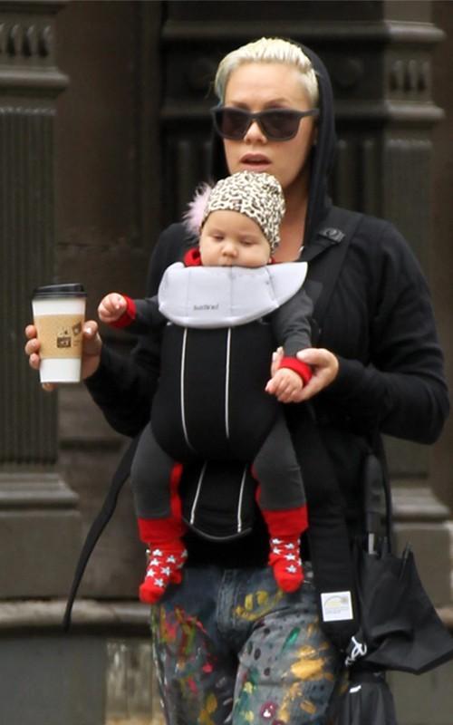 Une vraie petite punk new yorkaise, avec son bonnet !