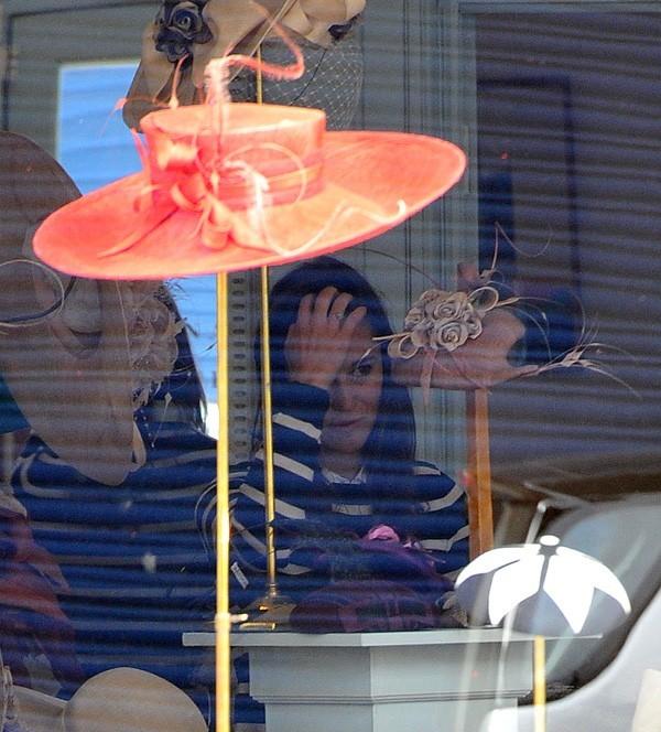 Pippa Middleton en session shopping à Londres le 28 septembre 2012