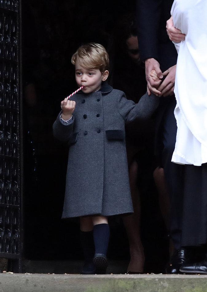 Première messe de Noël pour le Prince George dans le Berkshire avec sa soeur Charlotte et ses parents