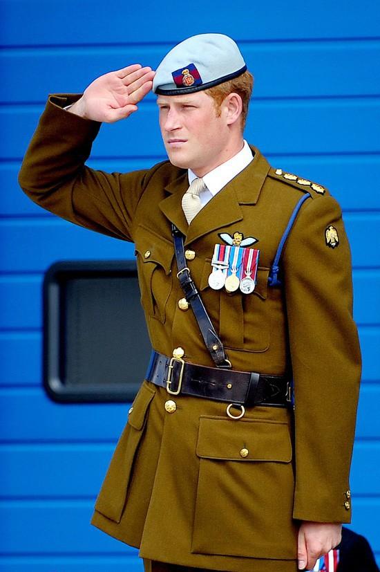 Le Prince Harry l'inauguration d'un nouveau centre de la marine à Plymouth pour le 2 août 2013