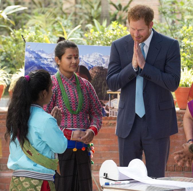 """Photos : Prince Harry : """"les femmes ne peuvent pas être les seules à défendre le filles"""" !"""