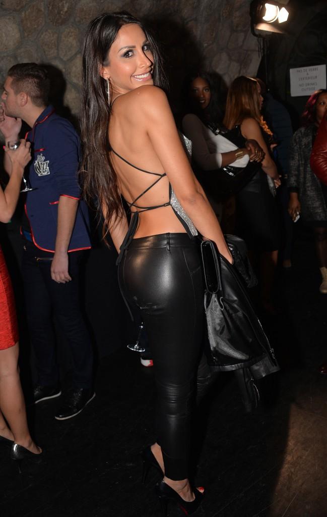 Photos : Public Buzz Awards : Somayeh : beauté scintillante et dos-nu pour sa première apparition publique !