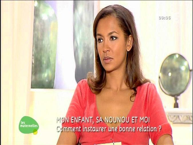 """Karine Le Marchand dans l'émission """"Les Maternelles"""" en 2004"""