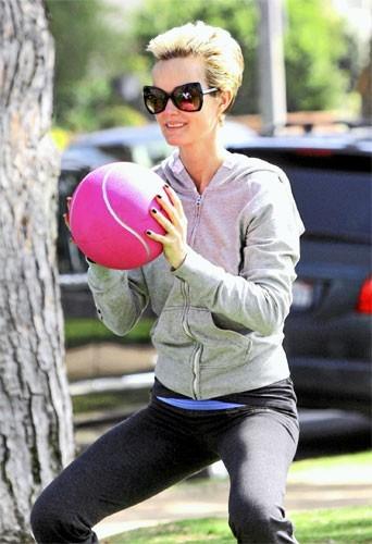 Photos : quand Laeticia Hallyday fait de la gym, va falloir se décoincer !