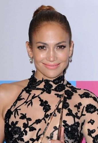 J-Lo et ses nouvelles pommettes!