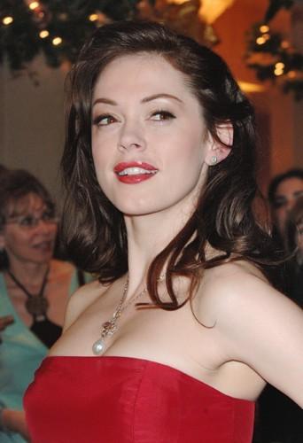 Rose McGowan : elle était encore jolie à cette époque...