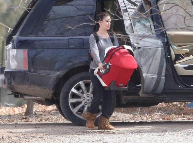Rachel Bilson : au chômage, elle se concentre sur sa vie de maman !