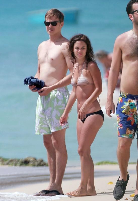 Rachel Bilson et Hayden Christensen en vacances à la Barbade, le 16 avril 2013.