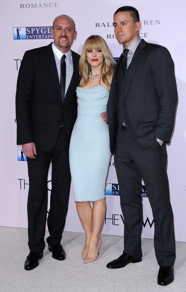 Michael Sucsy, Rachel McAdams et Channing Tatum lors de la première du film The Vow à Hollywood, le 6 février 2012.
