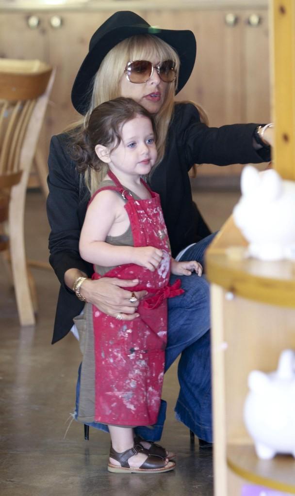 Rachel Zoe et son fils Skylar à Los Angeles, le 23 avril 2013