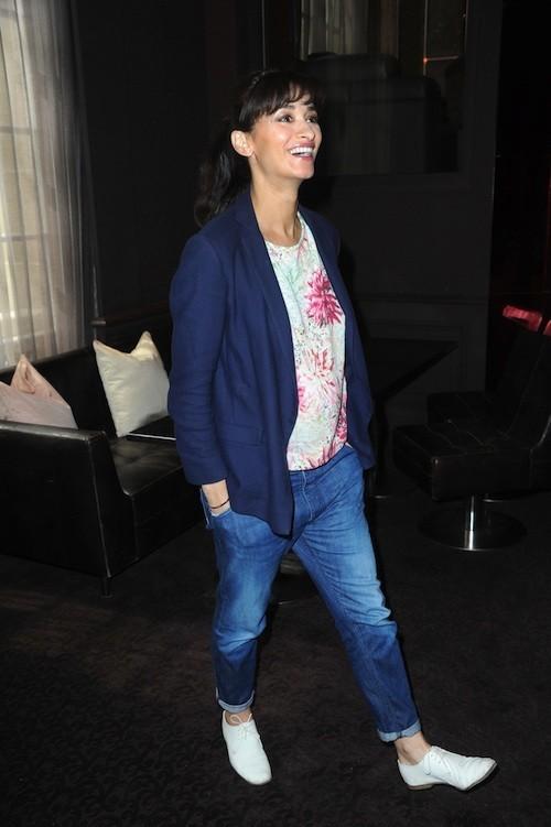 Photos : Rachida Brakni enceinte : la femme d'Eric Cantona assure avec son baby-bump et son look printanier