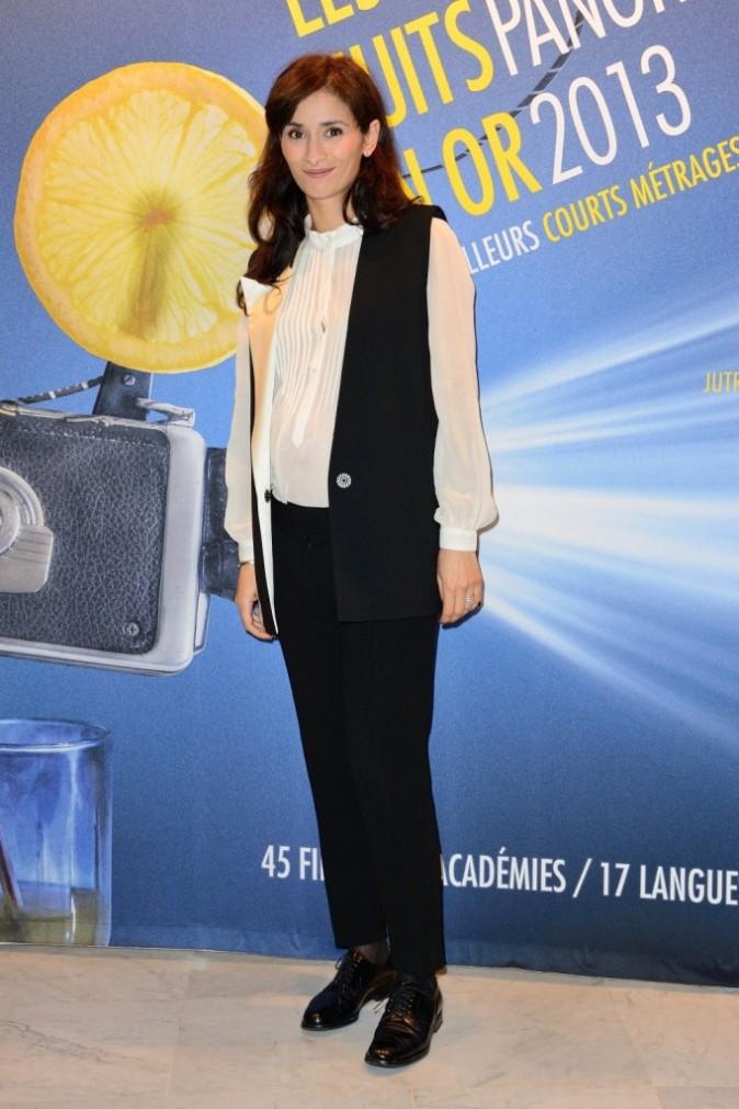 """Rachida Brakni lors du dîner des """"Nuits en Or 2013"""" à l'UNESCO à Paris, le 17 juin 2013."""